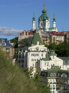 15 serpnja 2004 - Andrijivskyj uzviz, Andrijivska cerkva foto Jurija PEREBAJEVA